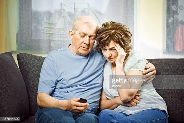 Senioren reciving schlechte Nachrichten