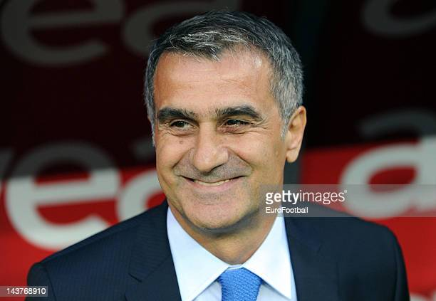 Senol Gunes Head coach of Trabzonspor looks on during the Turkish Super League match between Galatasaray and Trabzonspor on May 2 2012 in...