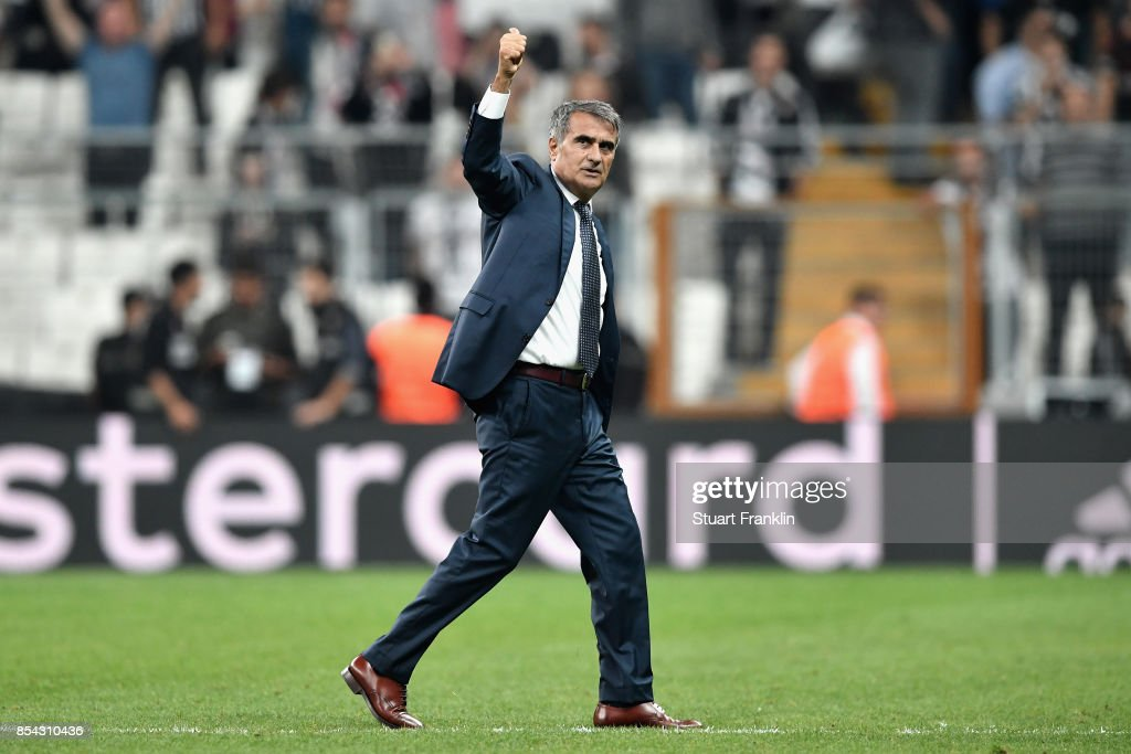 Senol Gunes, Manager of Besiktas salutes the crowd after the UEFA Champions League Group G match between Besiktas and RB Leipzig at Besiktas Park on September 26, 2017 in Istanbul, Turkey.