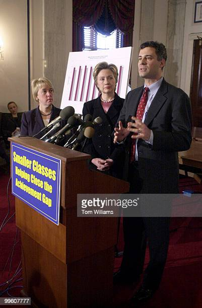 Sens Patty Murray DWA Hillary Clinton DNY and Alan Krueger lead evaluator Project Star speak at a press conference announcing a study that showed a...