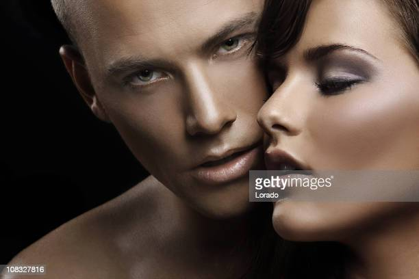 sensual couple en amour