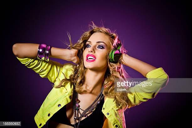 discoteca chica sensual - linda pop fotografías e imágenes de stock