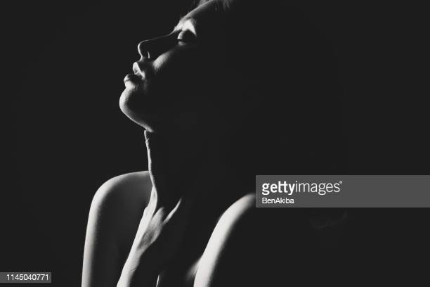 sinnliche frau - sexy nude models stock-fotos und bilder