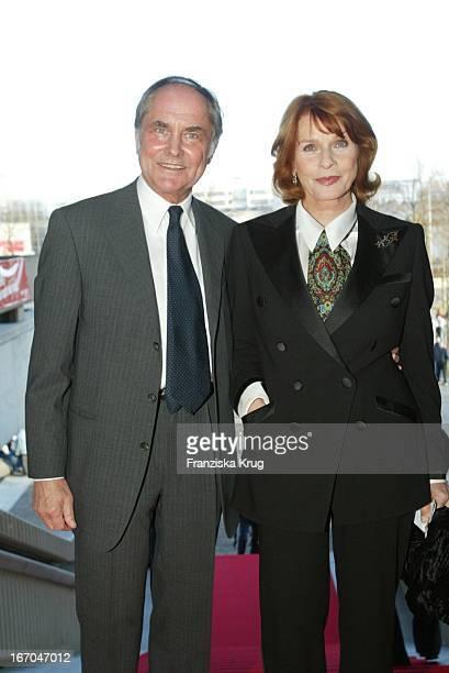 Senta Berger Ehemann Michael Verhoeven Bei Der Verleihung Des Adolf Grimme Preises 2003 Im Theater In Marl