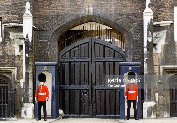 Sentries In Front Of Sentry Box At St James's Palace Londoncirca 1990s