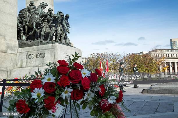 Sentries stand guard at Ottawa Cenotaph