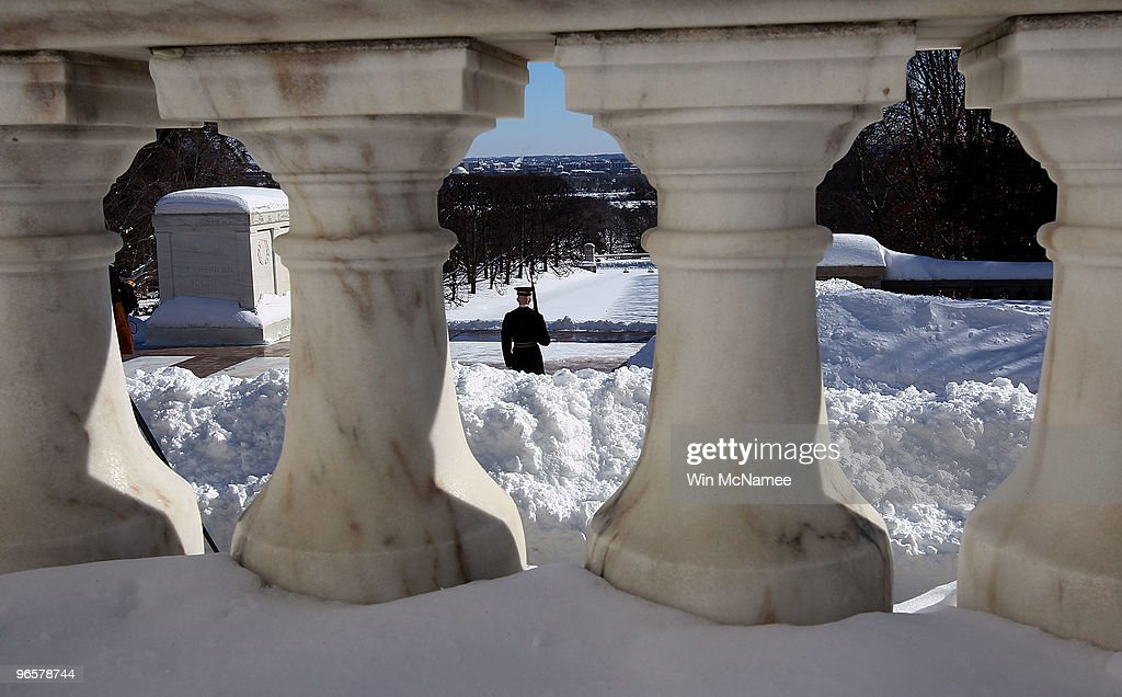Washington DC Area Begins To Dig Out After Latest Snowstorm : News Photo
