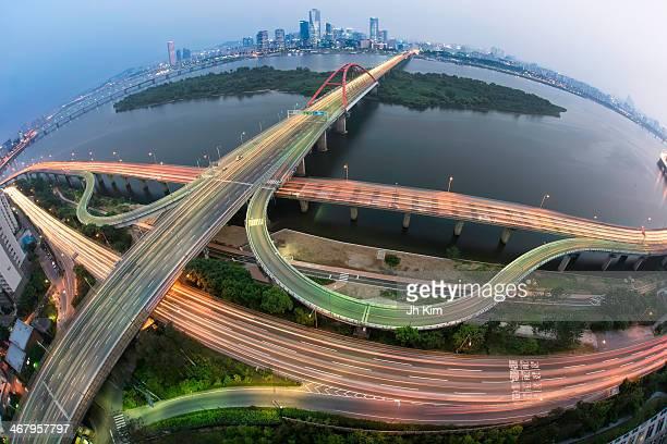 CONTENT] Seogang Bridge or Grand Seogang Bridge is a bridge over the Han River in Seoul South Korea The bridge links the Mapo and...