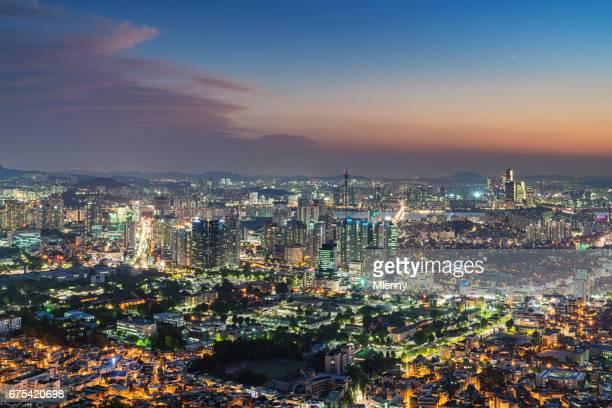 seoul city twilight bei sonnenuntergang south korea - mlenny stock-fotos und bilder