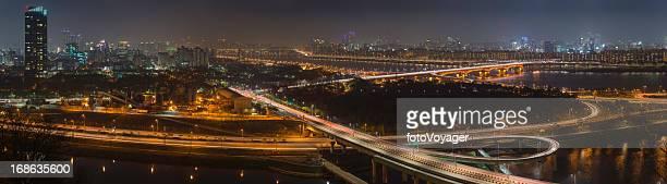seul riverside iluminada de panorama da paisagem urbana futurista gangnam coreia - avenida - fotografias e filmes do acervo