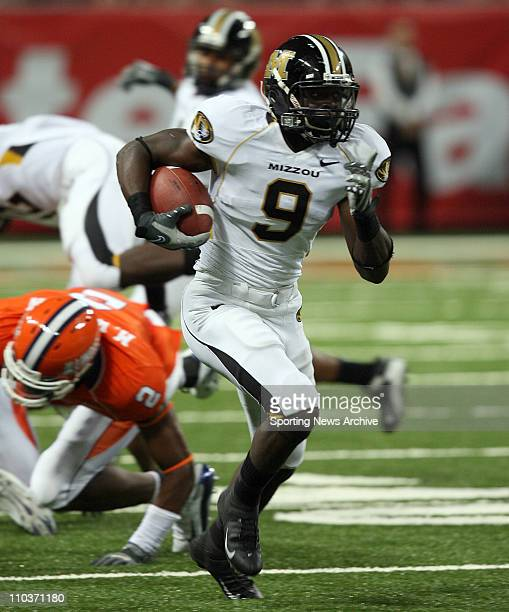 Sep 01, 2007 - St. Louis, MO, USA - The Illinois Fighting Illini against the Missouri Tigers JEREMY MACLIN during his touchdown punt return in front...