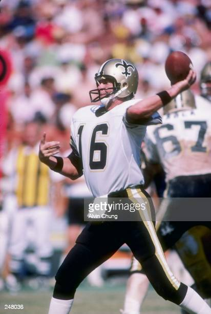 Quarterback Ken Stabler of the New Orleans Saints prepares to pass the ball. Mandatory Credit: Alvin Chung /Allsport