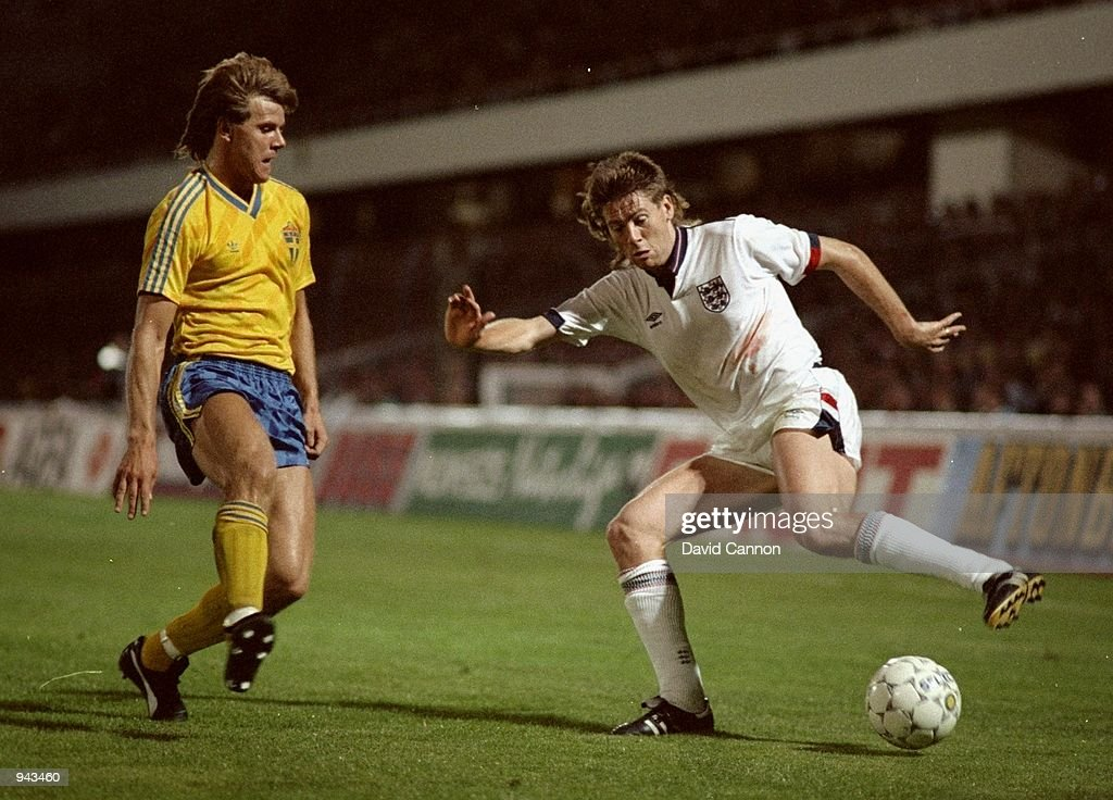 Chris Waddle and Roland Nilsson : News Photo