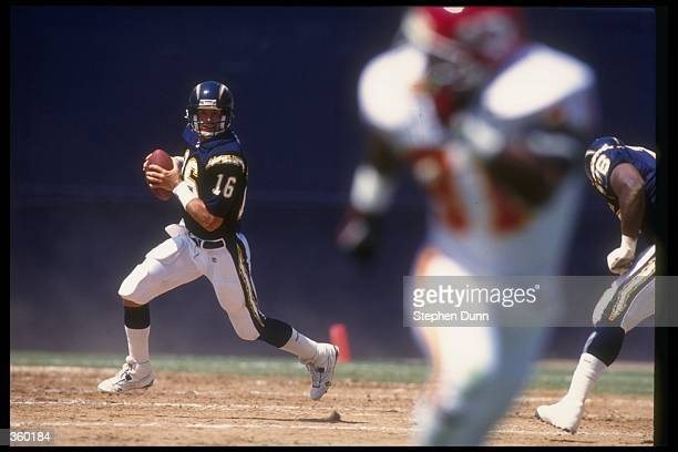 Quarterback Bob Gagliano of the San Diego Chargers looks to pass the ball during a game against the Kansas City Chiefs at Jack Murphy Stadium in San...