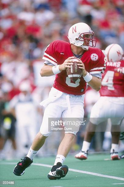 Quarterback Jeff Perino of the Nebraska Cornhuskers drops back to pass as he scans the defense for an open receiver during a pass play in the...
