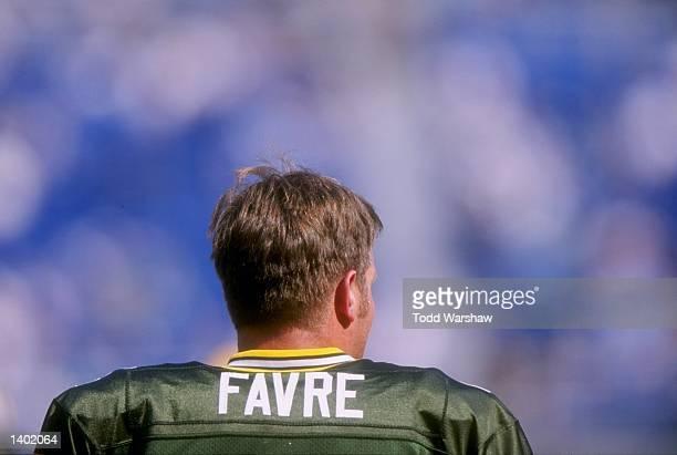 Quarterback Brett Favre of the Green Bay Packers during the Packers 109 loss to the Philadelphia Eagles at Veterans Stadium in Philadelphia...