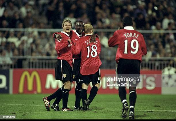 David Beckham Andy Cole Paul Scholes and Dwight Yorke of Manchester United celebrate Cole's goal during the UEFA Champions League match between Sturm...