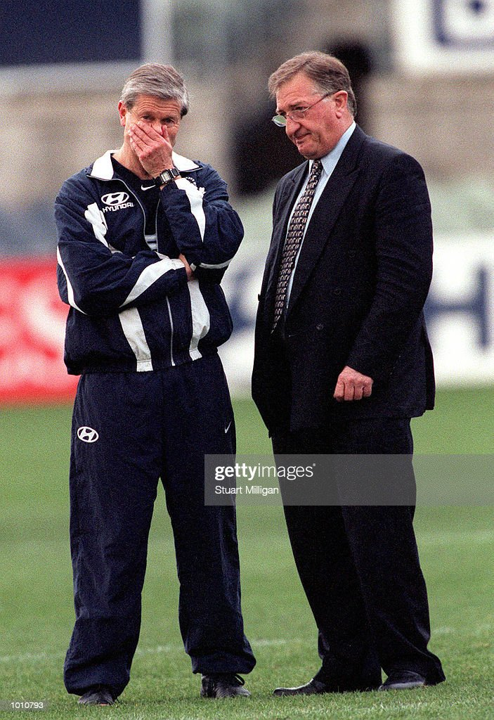 David Parkin the Carlton Coach and John Elliott, club President (right ), watches Carlton training for this Saturday's AFL Final to be played between the West Coast Eagles and Carlton. Training was held at Optus Oval, Melbourne, Australia.Mandatory Credit: Stuart Milligan/ALLSPORT