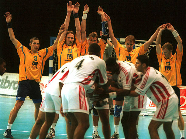 Sep 1999. Egyptian players prepare to take the last shot of the game from a penalty as they try to tie the game, as the Sweden team defend during the...