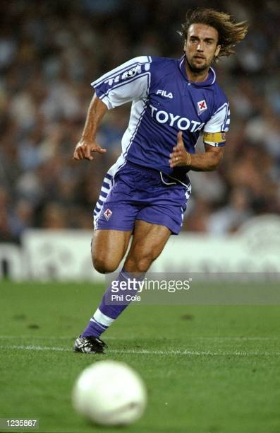 Gabriele Batistuta of Fiorentina in action against Barcelona during the UEFA Champions League group B match at the Nou Camp in Barcelona Spain...
