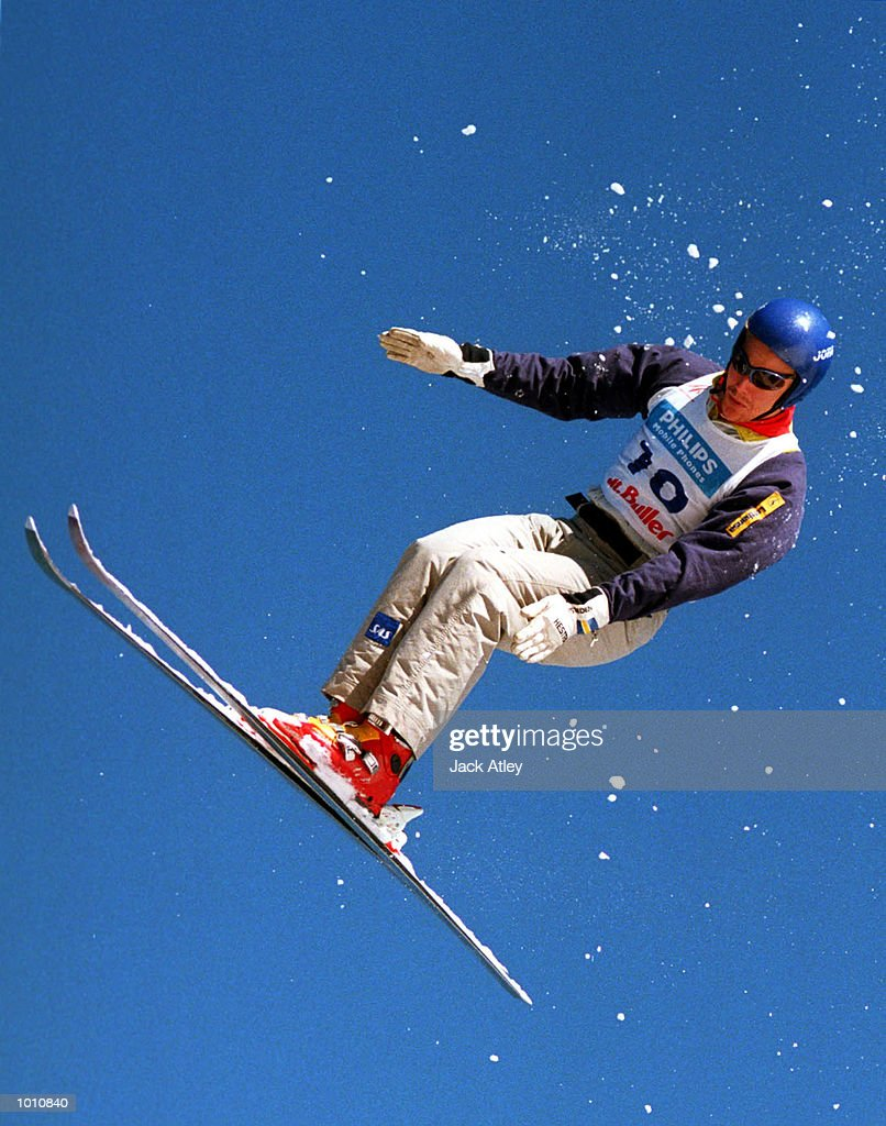 Lars Von Stedingk of Sweden flies above the Mount Buller world cup aerials site during the first round of the 1999/2000 world cup aerials season, at Mount Buller, Australia. Von Stedingk finished fourth in the mens section. Mandatory Credit: Jack Atley/ALLSPORT