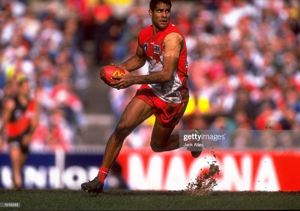 Michael O''Loughlin of the Sydney Swans in action during the AFL Fourth Qualifying Final against the Essendon Bombers at the MCG in Melbourne, Australia. The Bombers progressed to the latter stages with a convincing 123 - 54 win. \ Mandatory Credit: Jack Atley /Allsport