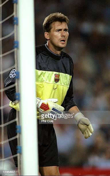Ruud Hesp in goal for Barcelona against Fiorentina during the UEFA Champions League group B match at the Nou Camp in Barcelona Spain Barcelona won 42...