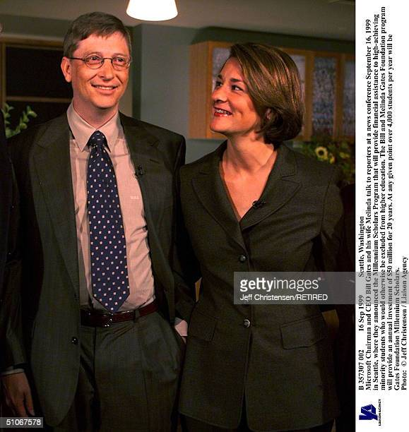 Sep 1999 Seattle Washington Microsoft Chairman And Ceo Bill Gates And His Wife Melinda Talk To Reporters At A News Conference September 16 1999 In...