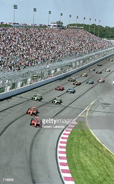 A view of the beginning of the Motorola 300 part of the 2000 CART FedEx Championship Series at the Gateway International Raceway in Madison...