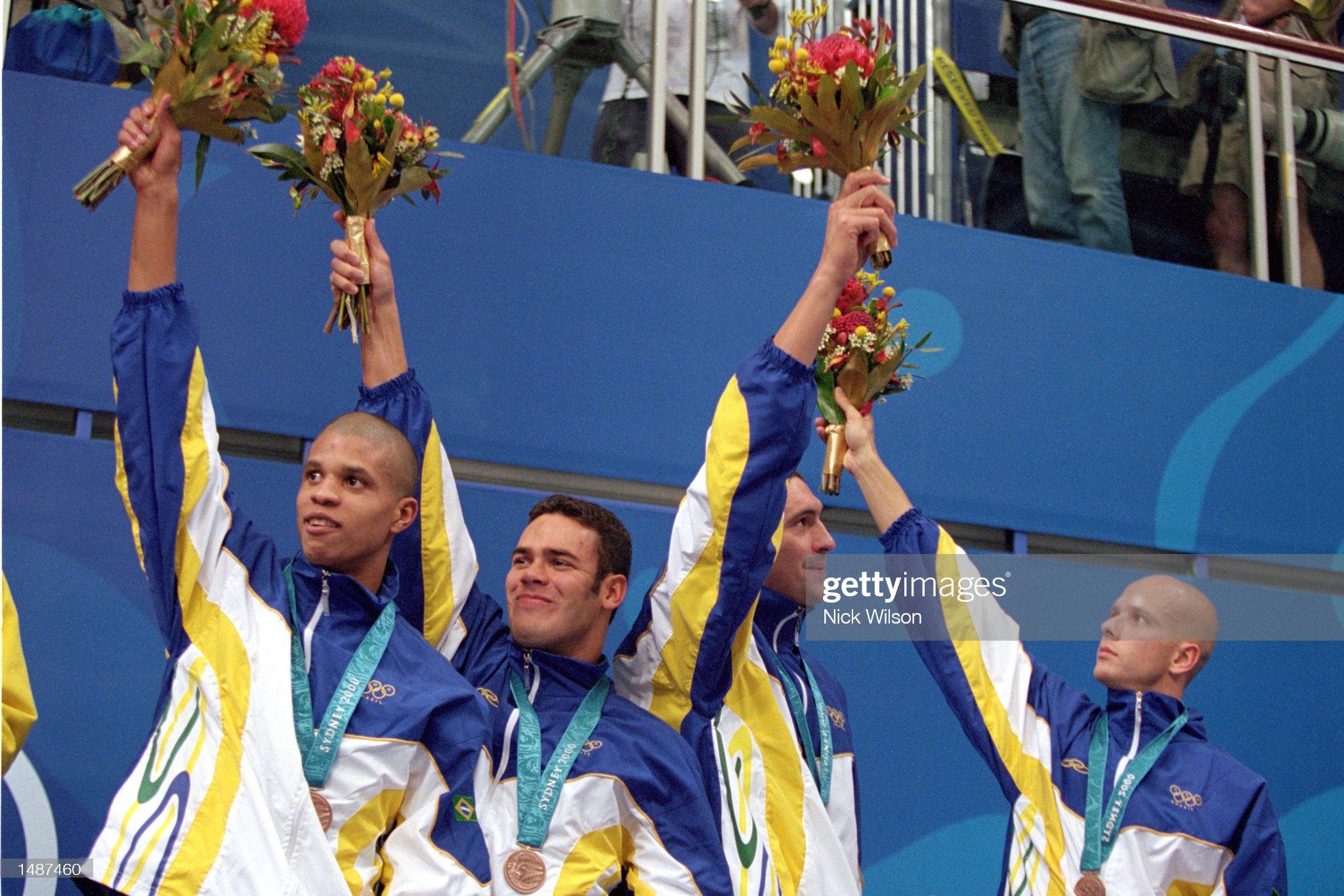 Brazilian team recieves the bronze medal : Fotografía de noticias