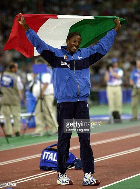 Fiona May of Italy celebrates winning the silver medal in the womens long jump final during the Sydney 2000 Olympic Games at Olympic Stadium, Sydney...