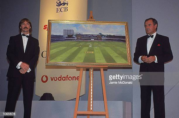 Jack Russell unveils his painting with Lord McLaurin during the Fleming Premier Banking Professional Cricketers Association Awards at the Royal...