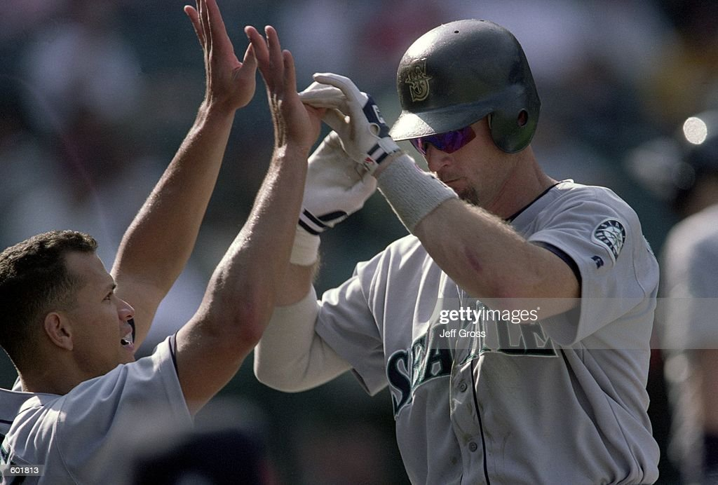Jay Buhner #19, Alex Rodriguez #3 : News Photo