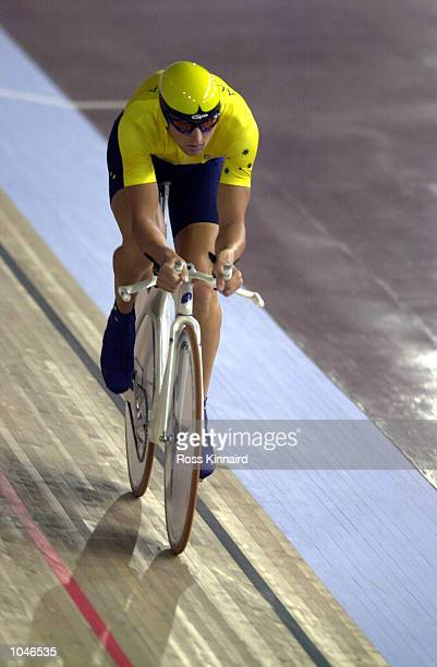 Luke Roberts of Australia in the Mens Individual Pursuit Qualifying during the Sydney 2000 Olympic Games at the Dunc Gray Velodrome Sydney Australia...