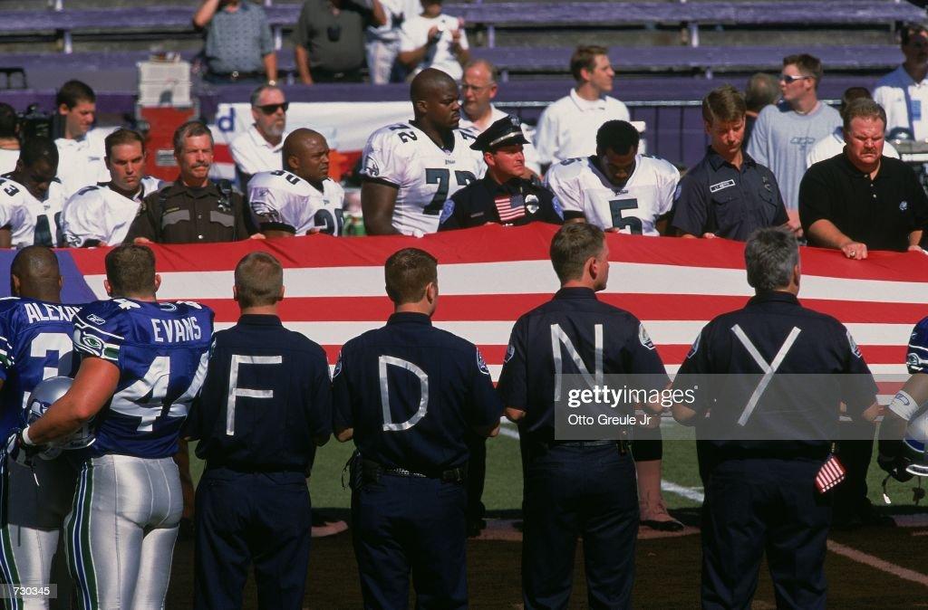 National Anthem : News Photo