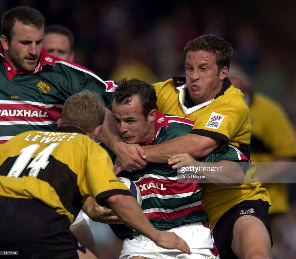 Austin Healey in action during the Zurich Premiership match between Leicester Tigers and Wasps played at Welford Road, Leicester. DIGITAL IMAGE Mandatory Credit: Dave Rogers/ALLSPORT