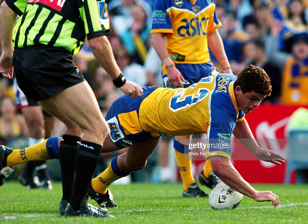 Daniel wagon #13 of the Eels crosses for a try during the NRL fourth qualifying final between the Parramatta Eels and the New Zealand Warriors held at Parramatta Stadium, Sydney, Australia. The Eels won the match 56-12. DIGITAL IMAGE Mandatory Credit: Chris McGrath/ALLSPORT