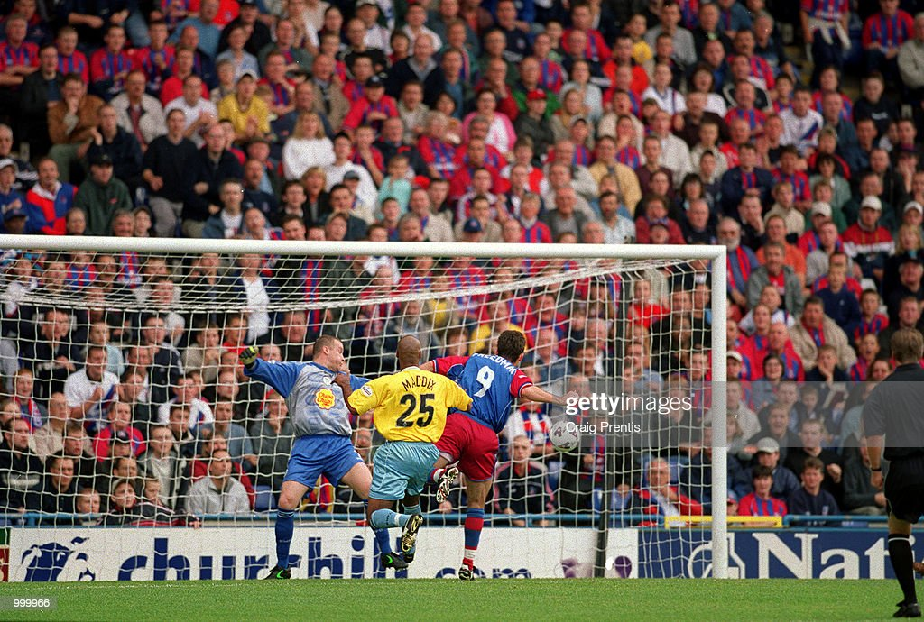 Dougie Feedman scores Palace's first goal during the Nationwide League Division One match between Crystal Palace and Sheffield Wednesday played at Selhurst Park, London. Mandatory Credit: Craig Prentis/ALLSPORT