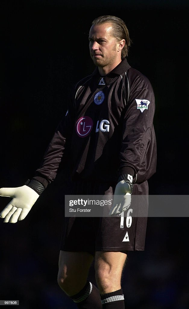 Ian Walker makes his goalkeeping debut for Leicester, during todays Barclaycard Premiership Game between Leicester City and Ipswich Town at Filbert Street, Leicester.. +Digital Image+. Mandatory Credit: Stu Forster/ALLSPORT