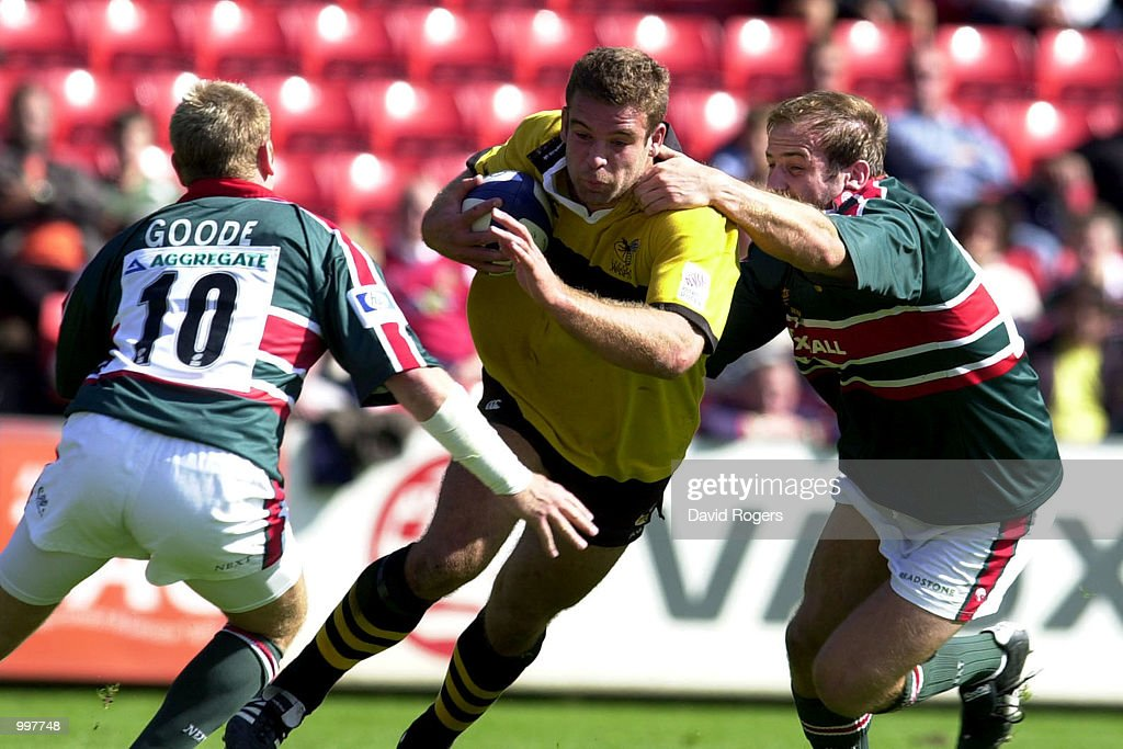 Joe Worsley, the Wasps number 8 takes on the Leicester defence during the Zurich Premiership match between Leicester Tigers and Wasps played at Welford Road, Leicester, England. DIGITAL IMAGE. Mandatory Credit: Dave Rogers/ALLSPORT