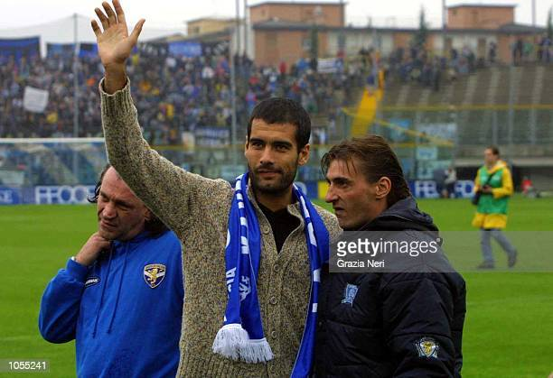 Josep Guardiola of Brescia is introduced to the fans before the Serie A match between Brescia and Atalanta played at the Mario Rigamonti Stadium...
