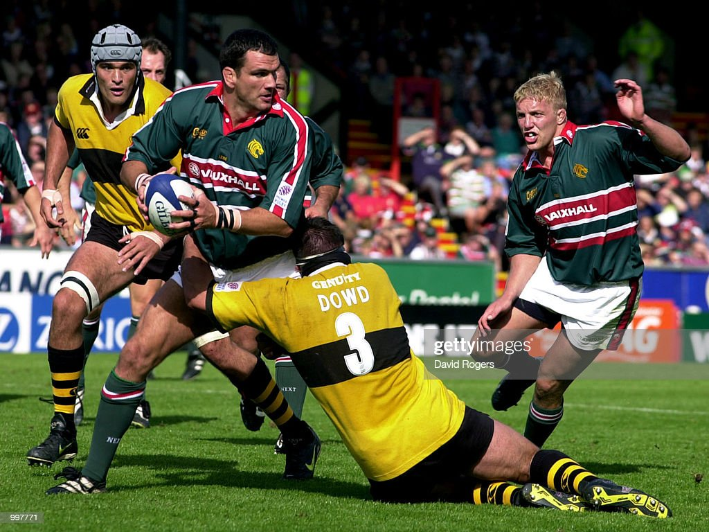 Martin Johnson of Leicester is tackled by Craig Dowd of Wasps during the Zurich Premiership match between Leicester Tigers and Wasps played at Welford Road, Leicester. DIGITAL IMAGE Mandatory Credit: Dave Rogers/ALLSPORT