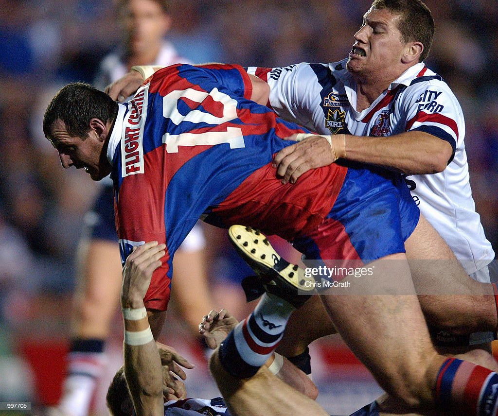 Matt Parsons #10 of the Knights lunges for the try line during the NRL second qualifying final between the Newcastle Knights and the Sydney Roosters held at Marathon Stadium, Newcastle, Australia. DIGITAL IMAGE Mandatory Credit: Chris McGrath/ALLSPORT