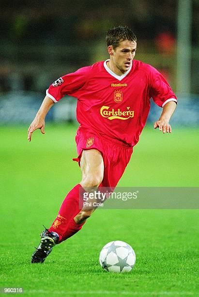 Michael Owen of Liverpool runs with the ball during the UEFA Champions League Group B match against Borussia Dortmund played at the Westfalenstadion...