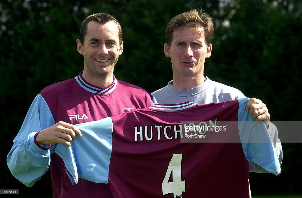 New Signing Don Hutchison of West Ham and Manager Glen Roeder pose with a shirt at a press conference at the West Ham Training Ground, Chadwell Heath, London. DIGITAL IMAGE. Mandatory Credit: Tom Shaw/ALLSPORT