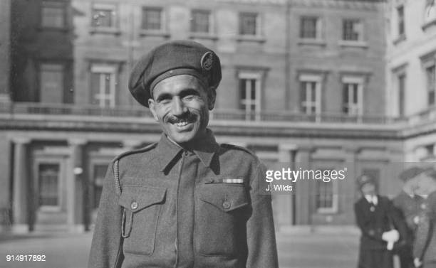Sepoy Ali Haidar a Pakistani Pashtun soldier of the 13th Frontier Force Rifles in the British Indian Army leaves Buckingham Palace in London after...