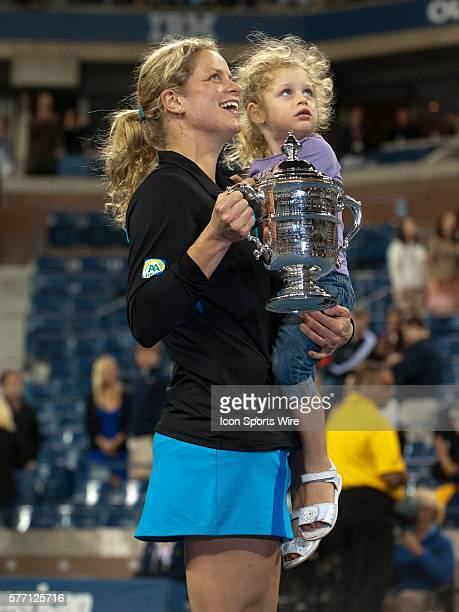 Sept 11 2010 Kim Clijsters of Belgium with her daughter Jada Lynch at the trophy presentation ceremony after defeating Vera Zvonareva of Russia and...