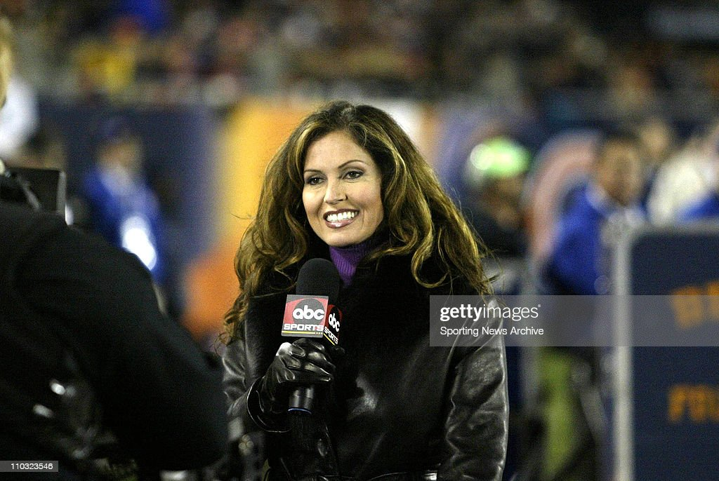 29 Sept 2003 Lisa Guerrero Of The ABC Sports Works Sidelines During Chicago