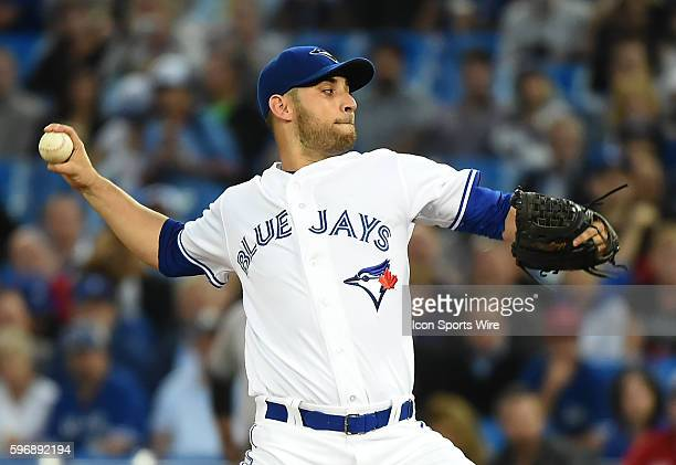 Sept. 22, 2015; Toronto, ON, Canada: Toronto Blue Jays starting pitcher Marco Estrada delivers a pitch against New York Yankees at the Rogers Centre.