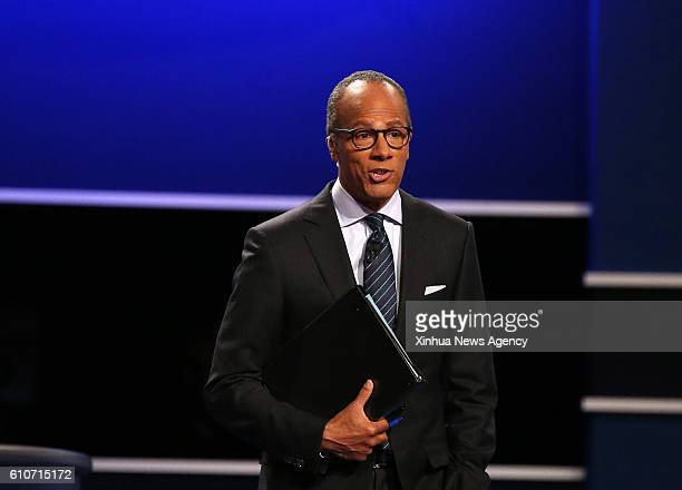 HEMPSTEAD Sept 27 2016 Debate moderator Lester Holt presides over the first presidential debate between Democrat Hillary Clinton and Republican...